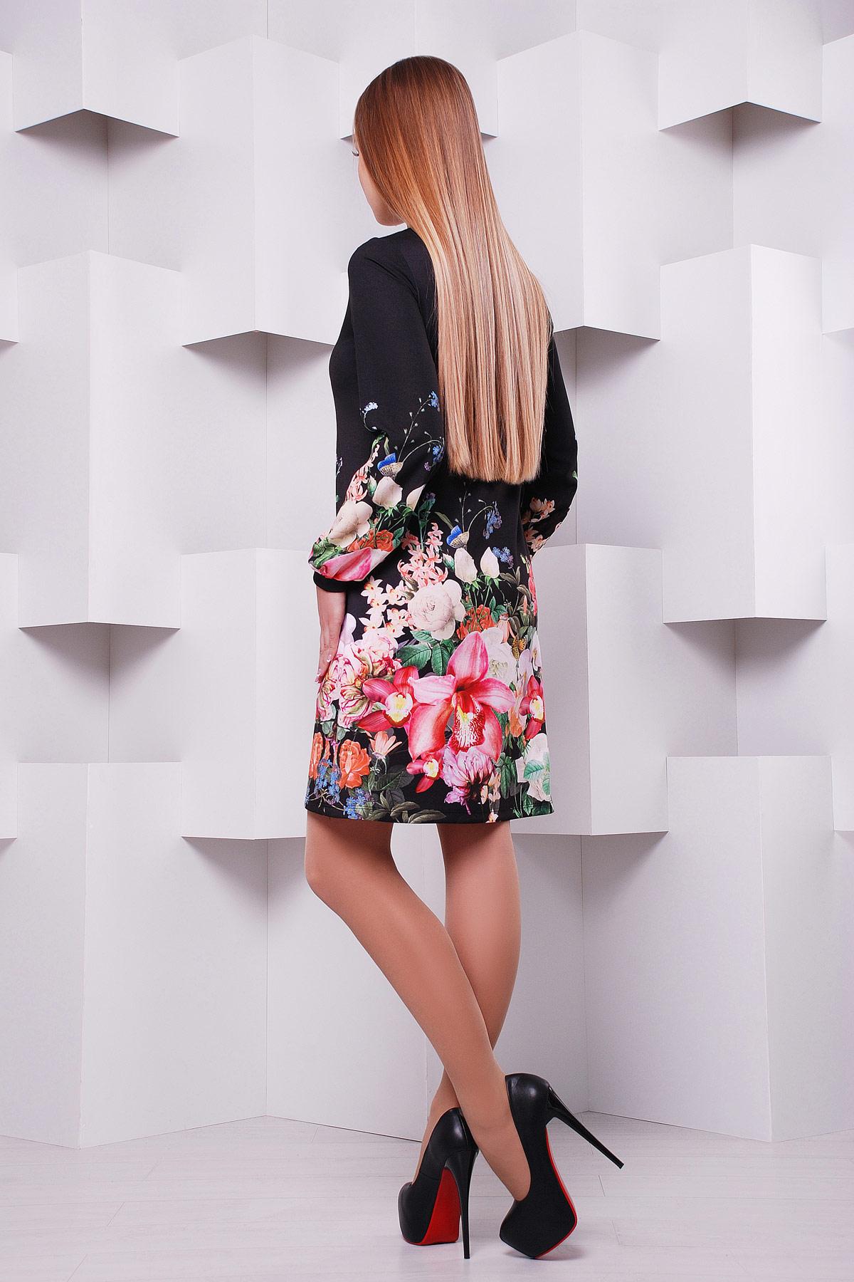 Черные платья с цветами