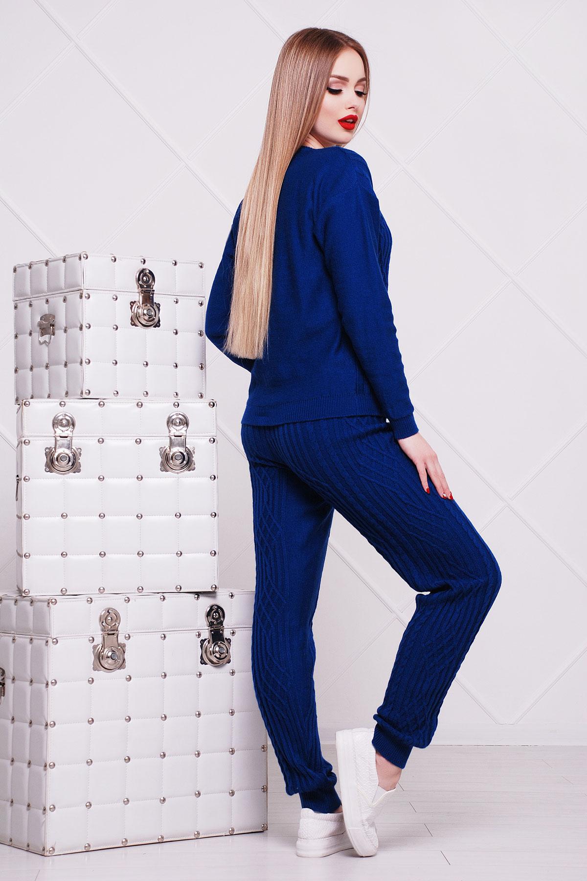Купить вязаный костюм женский