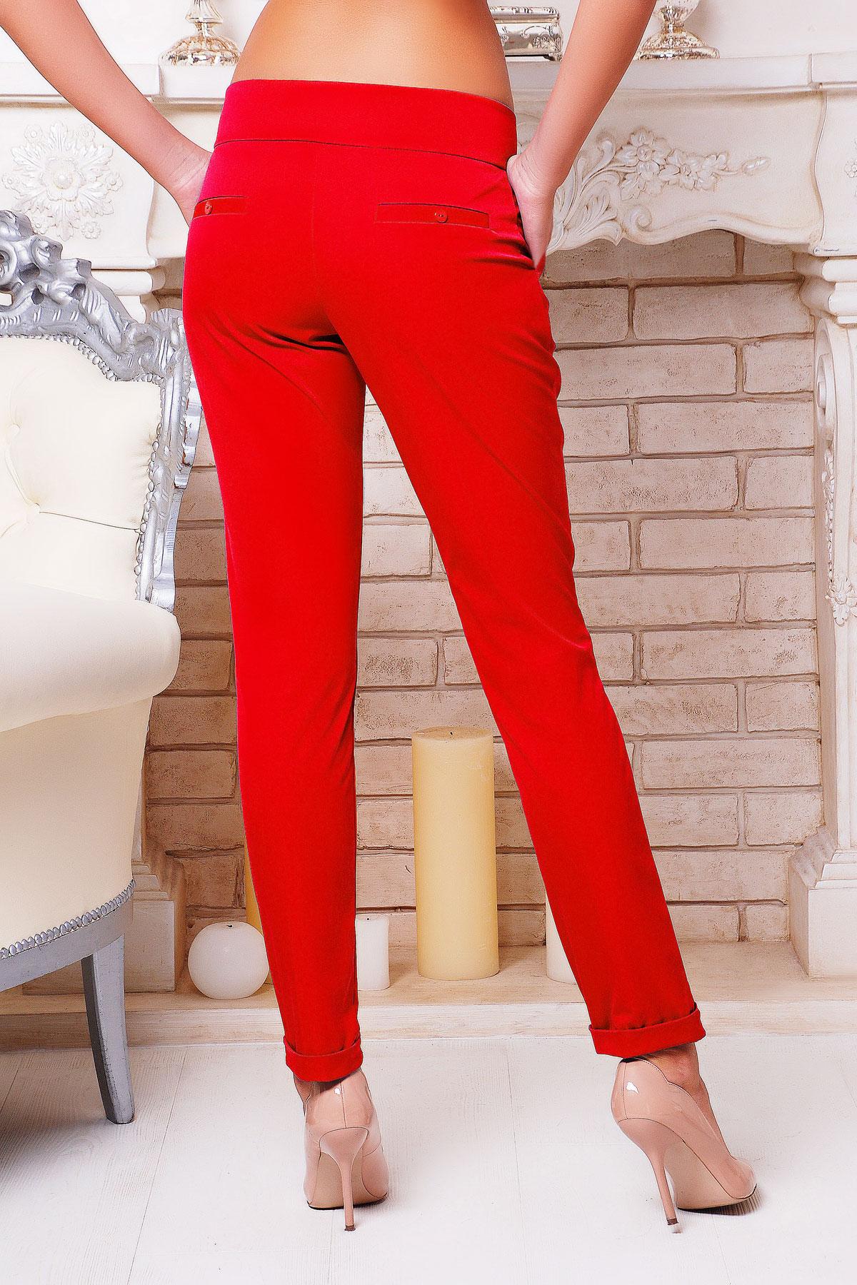 женские светло-бежевые брюки. брюки Хилори. Цвет: красный