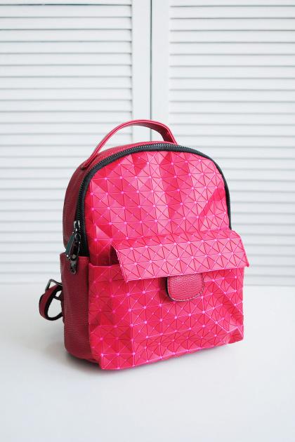 . . Цвет: красный-розовый